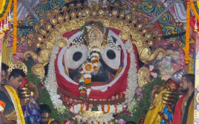 Jagannath lila: Service but not darshan!